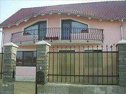 Casa de vânzare, 4 camere, în Oradea, zona Iosia