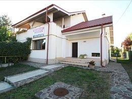 Casa de vânzare sau de închiriat 5 camere, în Bacau, zona Gheraiesti