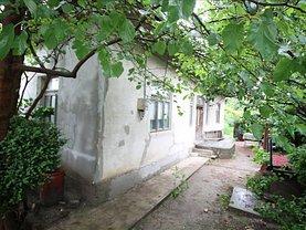 Casa de vânzare 3 camere, în Bacau, zona CFR