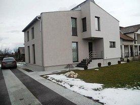 Casa de vânzare 4 camere, în Maracineni, zona Central