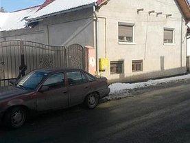 Casa de vânzare 10 camere, în Zarnesti, zona Central