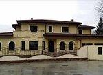 Casa  de inchiriat 2499 EUR/luna