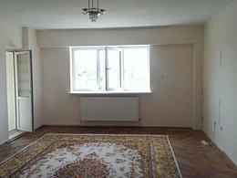 Apartament de vânzare 3 camere, în Pitesti, zona Fratii Golesti