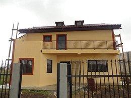 Casa de vânzare, 5 camere, în Lazu