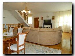 Casa de vânzare sau de închiriat 10 camere, în Codlea