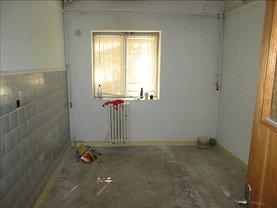 Apartament de vânzare 3 camere, în Focsani, zona Obor