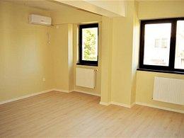 Apartament de vânzare, 3 camere, în Iasi, zona Tatarasi