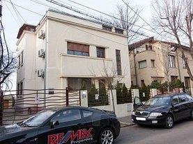 Casa de vânzare 12 camere, în Bucuresti, zona Casin