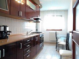 Apartament de închiriat 3 camere, în Arad, zona Malul Muresului