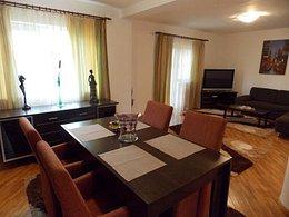 Casa de închiriat, 4 camere, în Oradea, zona Europa