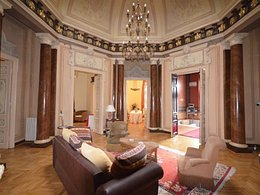Casa de vânzare sau de închiriat 20 camere, în Bucuresti, zona Universitate
