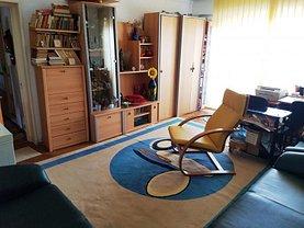 Apartament de vânzare 3 camere în Targu-Jiu, Traian