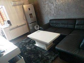 Apartament de vânzare 3 camere în Targu-Jiu, 9 Mai