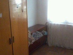 Apartament de vânzare 2 camere, în Roman