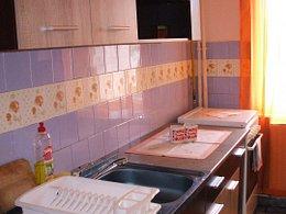 Apartament de închiriat, 2 camere, în Deva, zona Balcescu