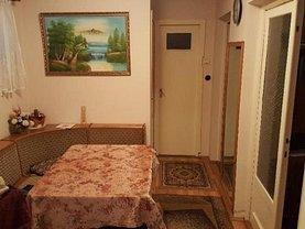 Apartament de vânzare 3 camere în Zalau, Nord-Vest