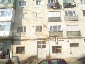 Apartament de vânzare 2 camere, în Otelu Rosu, zona Sud-Est
