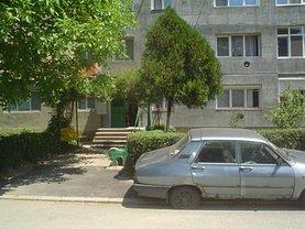Apartament de vânzare 2 camere, în Caransebes, zona Nord