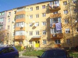 Apartament de închiriat 3 camere, în Caransebes