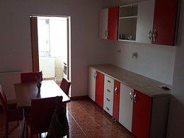 Apartament de închiriat 3 camere, în Calarasi, zona Mircea-Voda