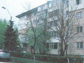 Apartament de vânzare 3 camere, în Slobozia, zona Est