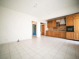 Apartament de închiriat 3 camere în Arad, Central