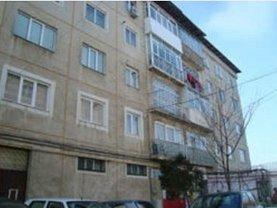Apartament de vânzare 3 camere, în Adjud, zona Nord