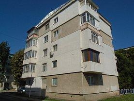 Apartament de vânzare 3 camere, în Calarasi, zona 2 Moldoveni