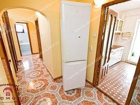 Apartament de vânzare 3 camere, în Galati, zona Micro 16