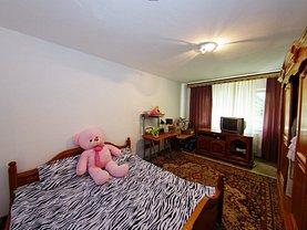 Apartament de vânzare 3 camere în Galati, Micro 21