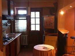 Apartament de vânzare sau de închiriat 3 camere, în Galati, zona Micro 18