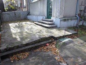 Apartament de închiriat 3 camere, în Bucuresti, zona Cotroceni