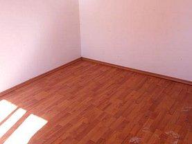 Apartament de vânzare 2 camere, în Gaesti, zona Central