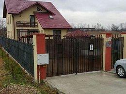 Casa de vânzare 4 camere, în Titu, zona Vest