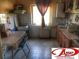 Apartament de vânzare 4 camere în Resita, Lunca