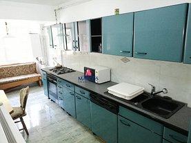 Apartament de închiriat 4 camere în Resita, Centrul Civic
