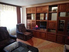 Apartament de vânzare 3 camere în Resita, Central