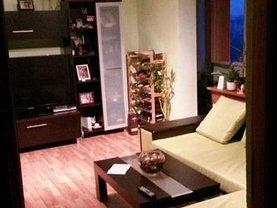 Apartament de închiriat 3 camere, în Resita, zona Micro III