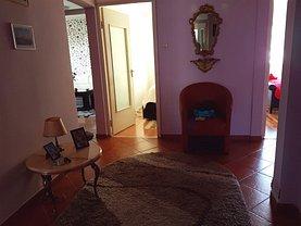Apartament de vânzare 4 camere, în Zarnesti, zona Central