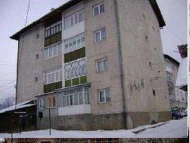 Apartament de vânzare 2 camere, în Vatra Dornei