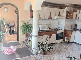 Apartament de închiriat 4 camere, în Bistrita, zona Ultracentral