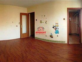 Apartament de vânzare 2 camere în Husi, Periferie