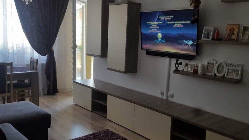 Vanzare Apartament 2 camere,Tractorul,Brasov