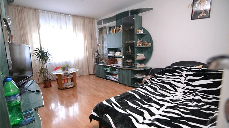 Vanzare Apartament 2 camere decomandat,Triaj,Brasov