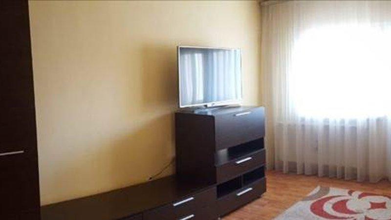 Apartament 2 camere decomandat etaj 3, Tractorul, Brasov