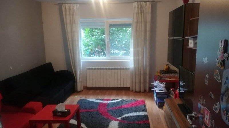 Apartament 4 camere decomandat,mobilat,Astra,Brasov