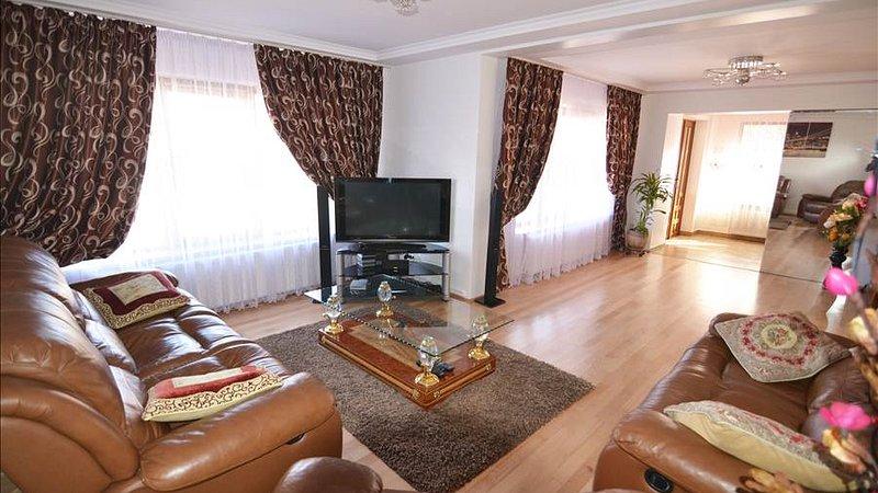 Vanzare casa deosebita situata in Codlea, Brasov