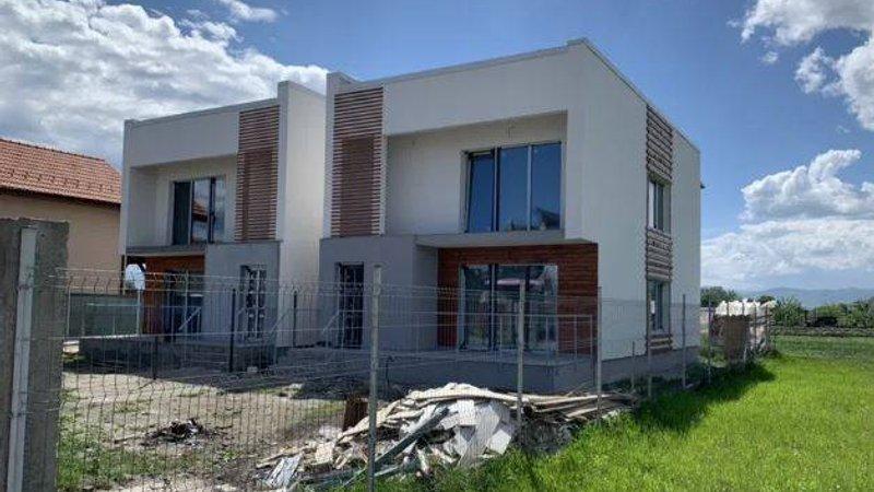 Vanzare casa individuala, la asfalt, Stupini, Brasov