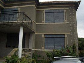 Casa de vânzare 7 camere, în Ghioroc