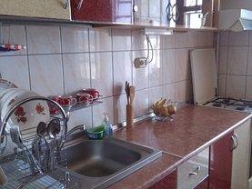 Apartament de vânzare 3 camere în Piatra-Neamt, Calea Romanului